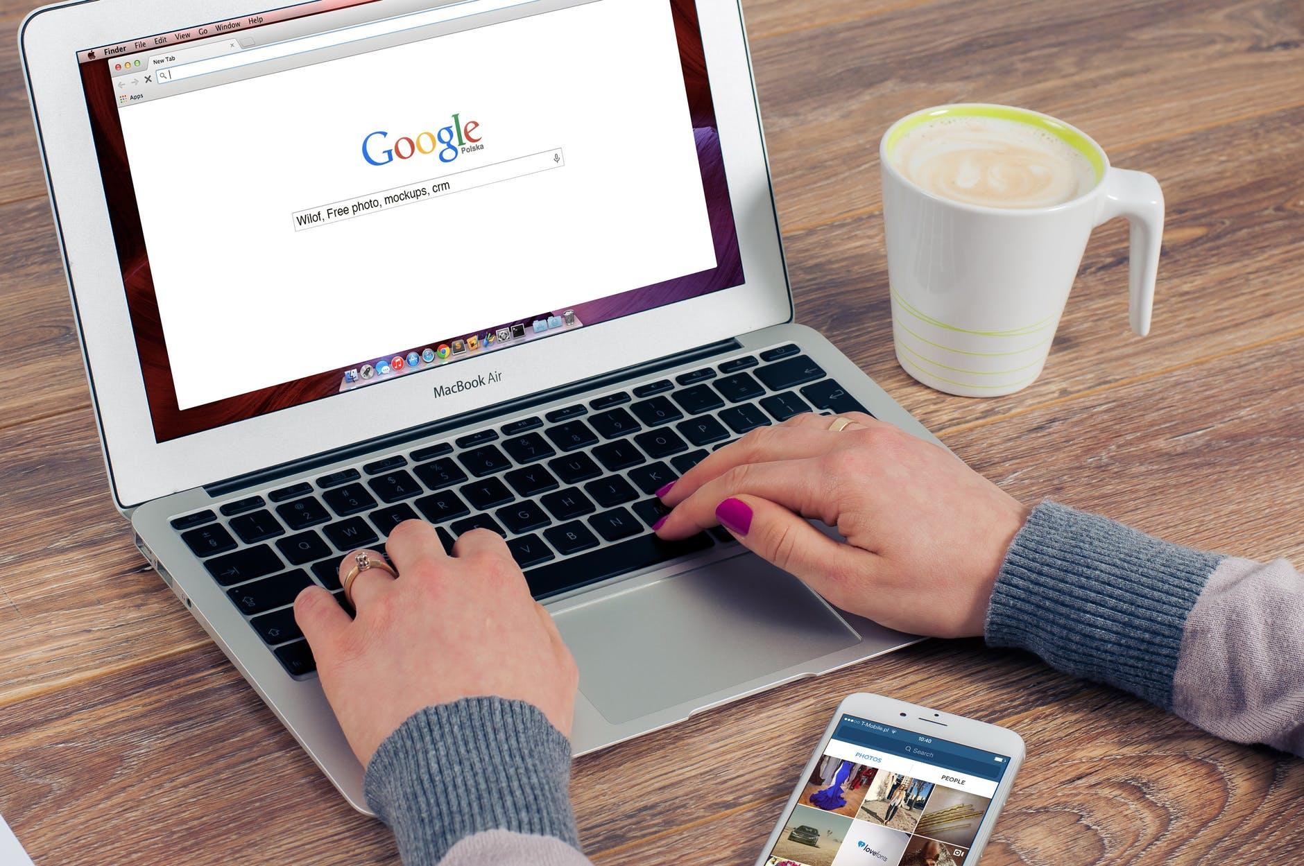 Référencement sur Google coffee apple iphone smartphone